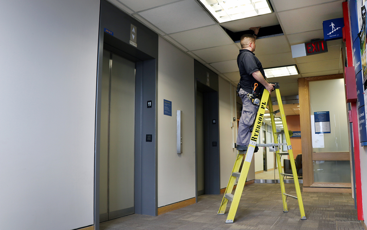 portable-ladder-safety