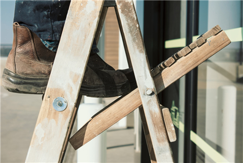 Three Tips of Purchasing a Home Ladder
